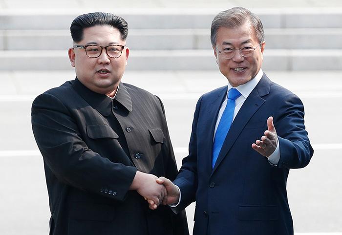 180427 panmunjom yna L1 - Итоги межкорейского саммита 2018