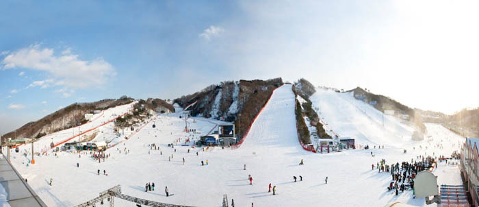 Skiing_Travel_Korea_02.jpg